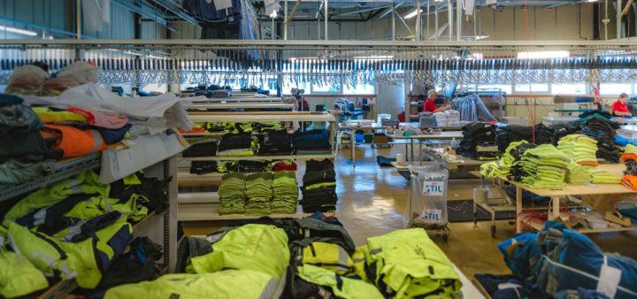 Lageret til Stil Tekstilservice der det oppbevares arbeidsklær